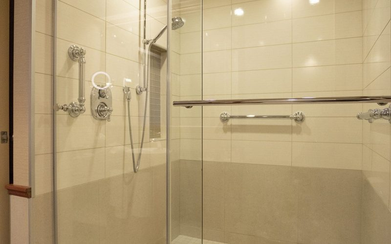Douche-chambre-executive-luxe-best-western-quebec